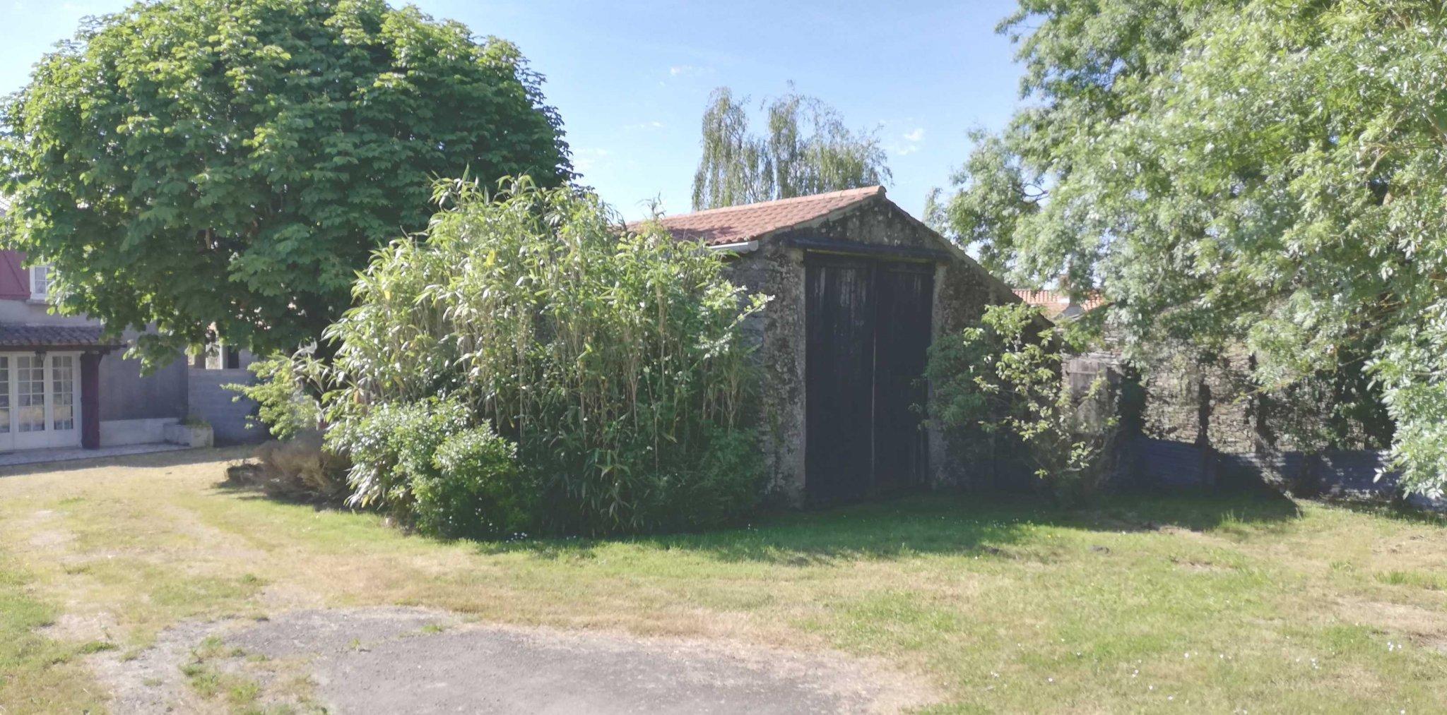 La Garnache – Grange 90 m2 environ | ref-HVMA10003451-2213