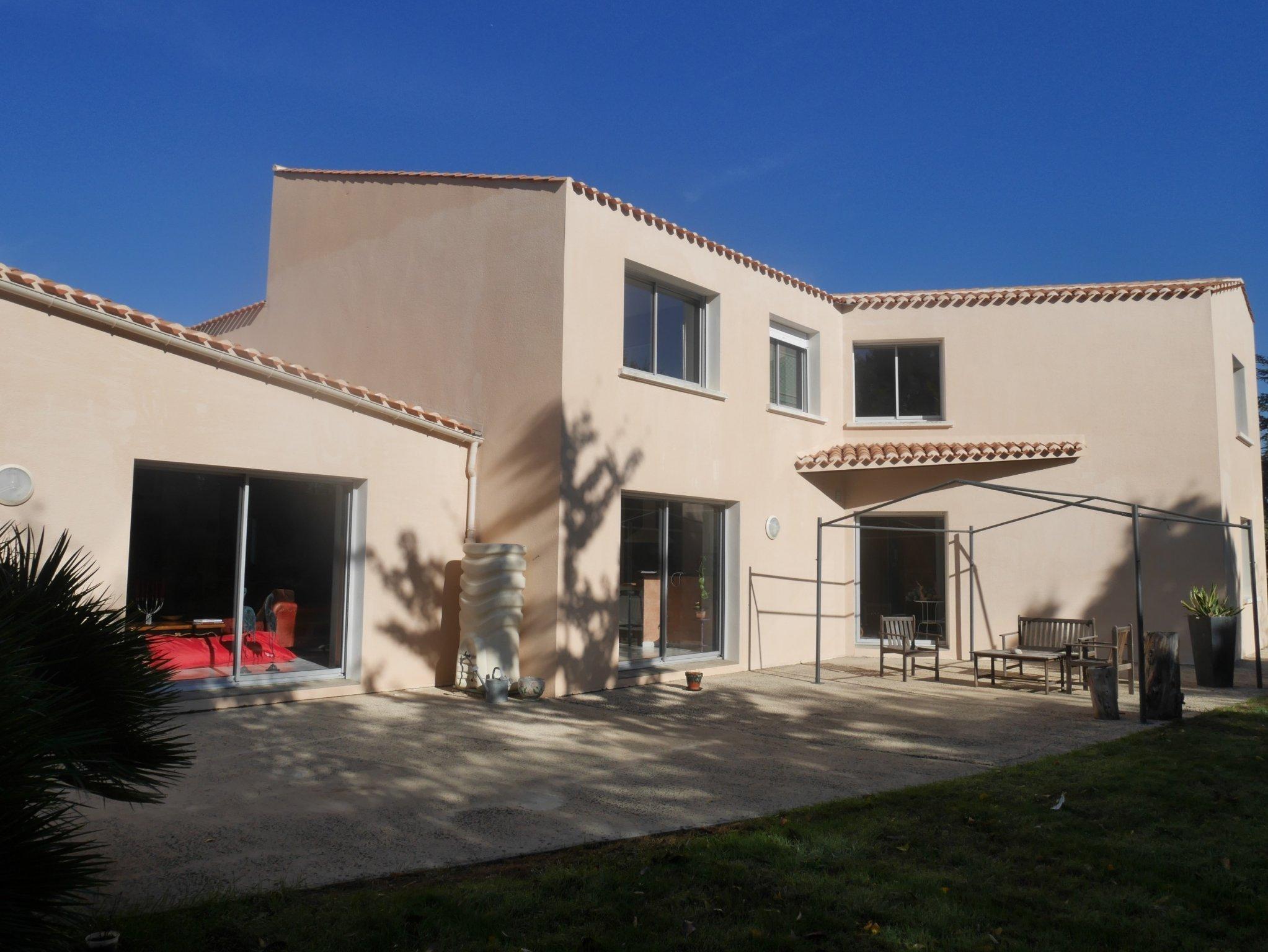Très belle maison aux portes de SAINT GILLES CROIX DE VIE sur LE FENOUILLER | ref-1534
